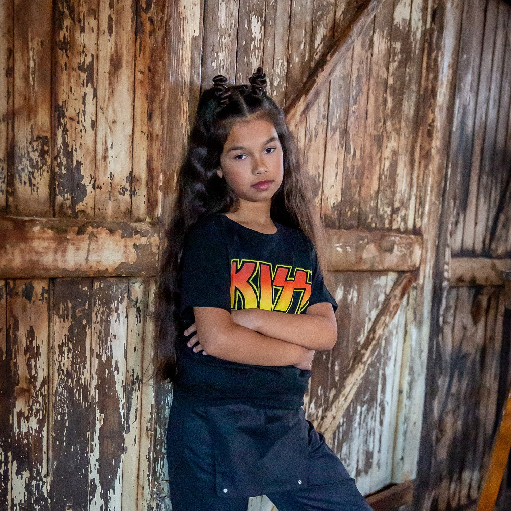 Kiss Kinder T-shirt Logo fotoshoot
